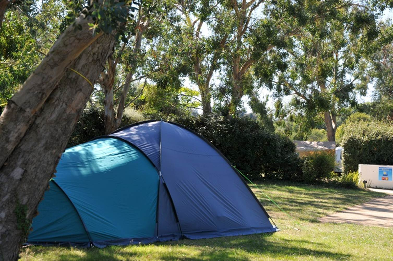 Emplacement nu pour tentes - caravanes et camping-cars - Camping Le Tindio ©