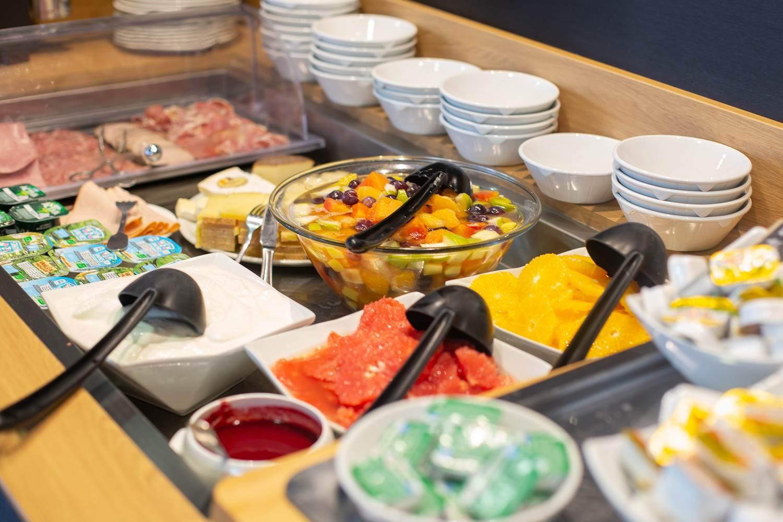 Petit-déjeuner buffet ©