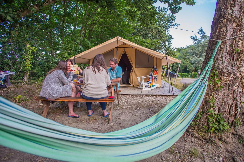 Camping AU GRE DES VENTS_copr.Kinaphoto_location_nature_morbihan_rochefort-en-terre © Sites et Paysages 2015_Kinaphoto