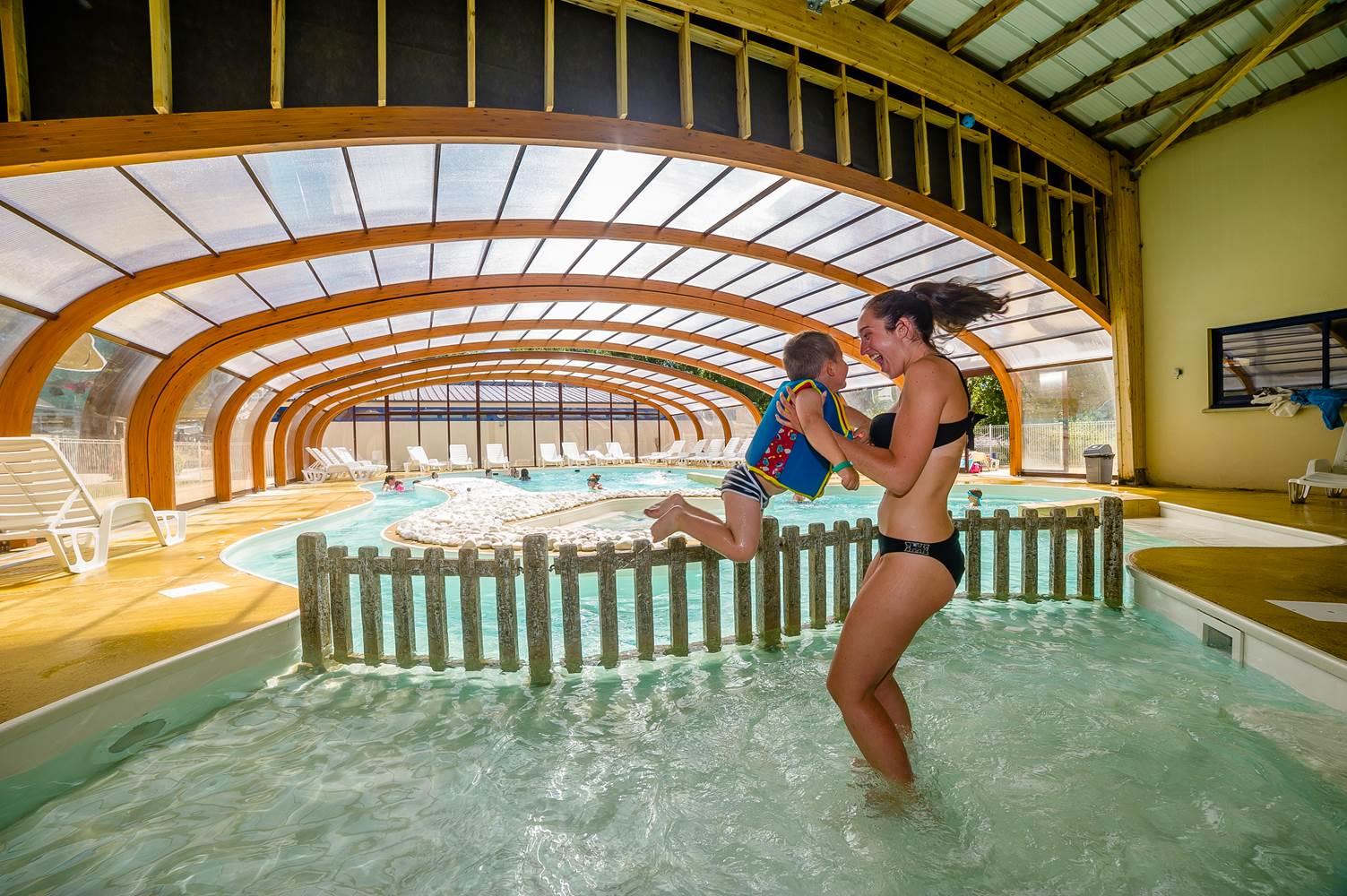piscine couverte for espagnol ©
