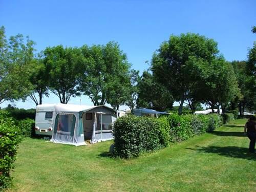 Camping municipal de Borg Nehu�