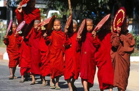 Birmanie - La magie du Myanmar - Film documentaire de Nadine et Jean-Claude Forestier à l'Abbaye de Rhuys